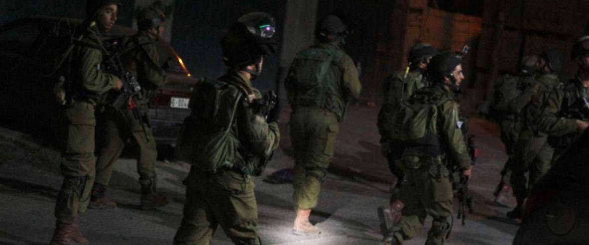الاحتلال يعتقل 19 فلسطينيًا بمداهمات بالضفة