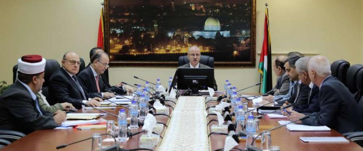 الحكومة تطالب حماس بتسليم غزة دفعة واحدة