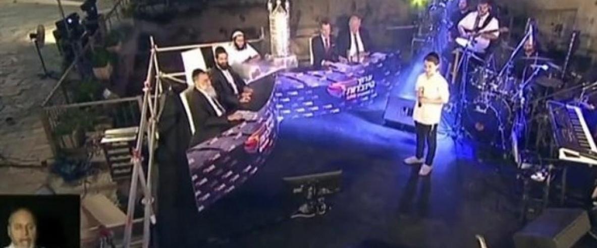بالفيديو - المستوطنون يقيمون احتفالا صاخبا في ساحات الحرم الإبراهيمي الشريف