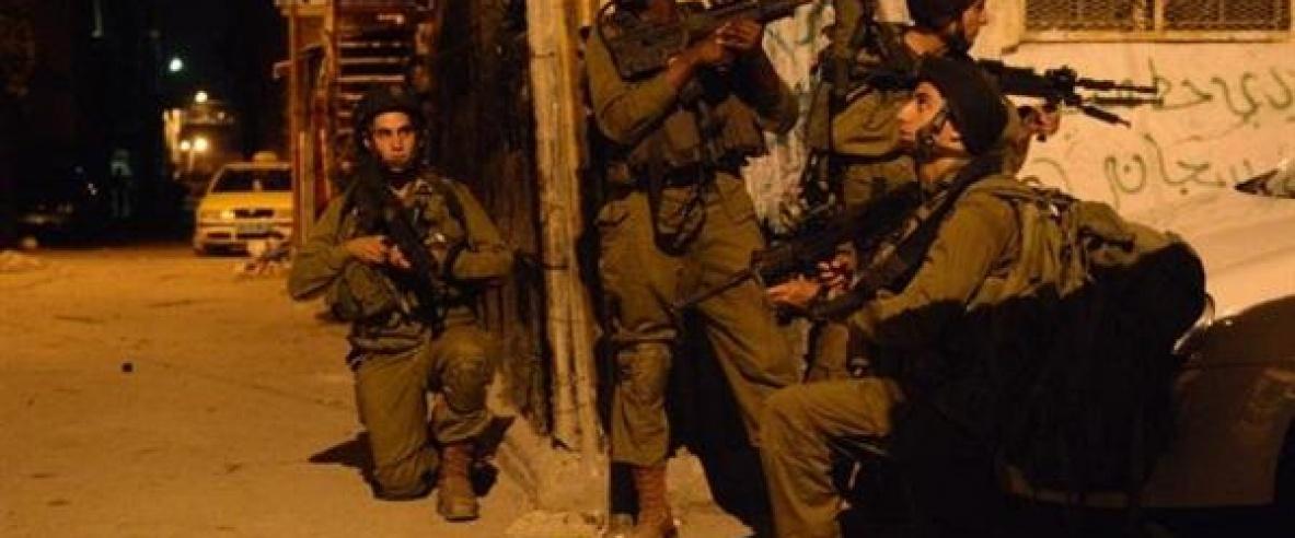 جيش الاحتلال يداهم محلات تجارية ويفحص كاميرات مراقبة جنوب بيت لحم