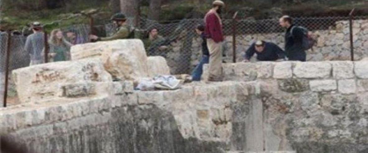 عشرات المستوطنين يقتحمون برك سليمان جنوب بيت لحم