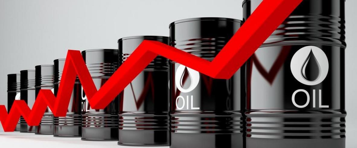 النفط يرتفع حاذيا حذو الأسهم