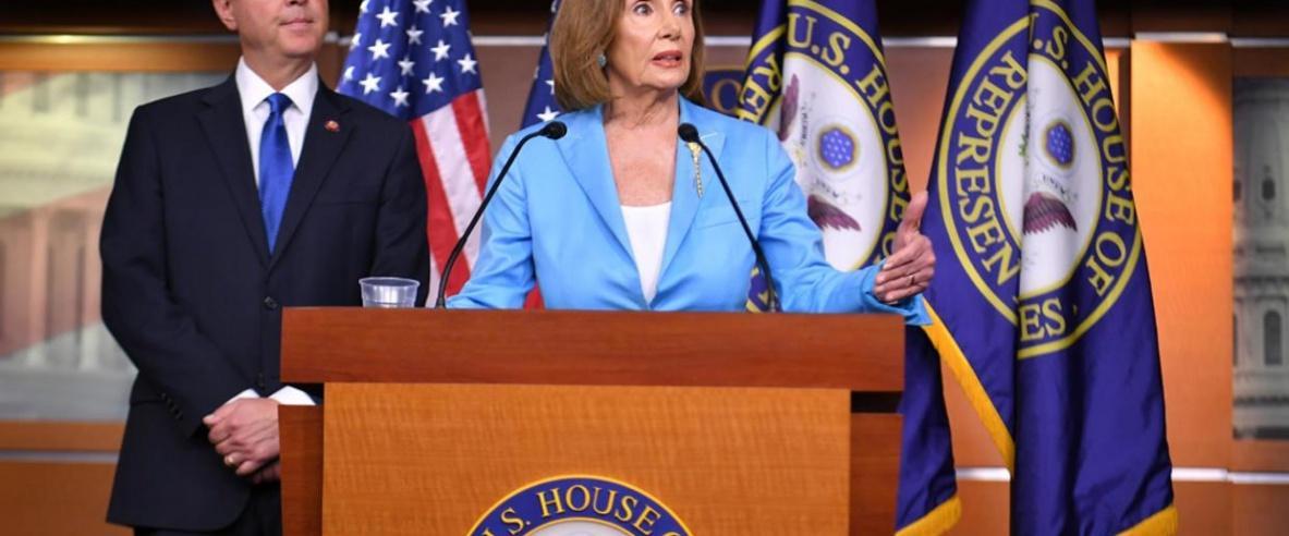 رئيسة مجلس النواب تأمر بصياغة لوائح اتهام ضد ترمب