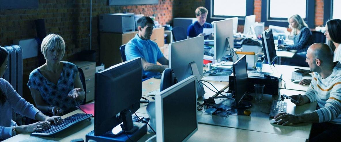 هل تتحمل شبكات الاتصالات ملايين العاملين