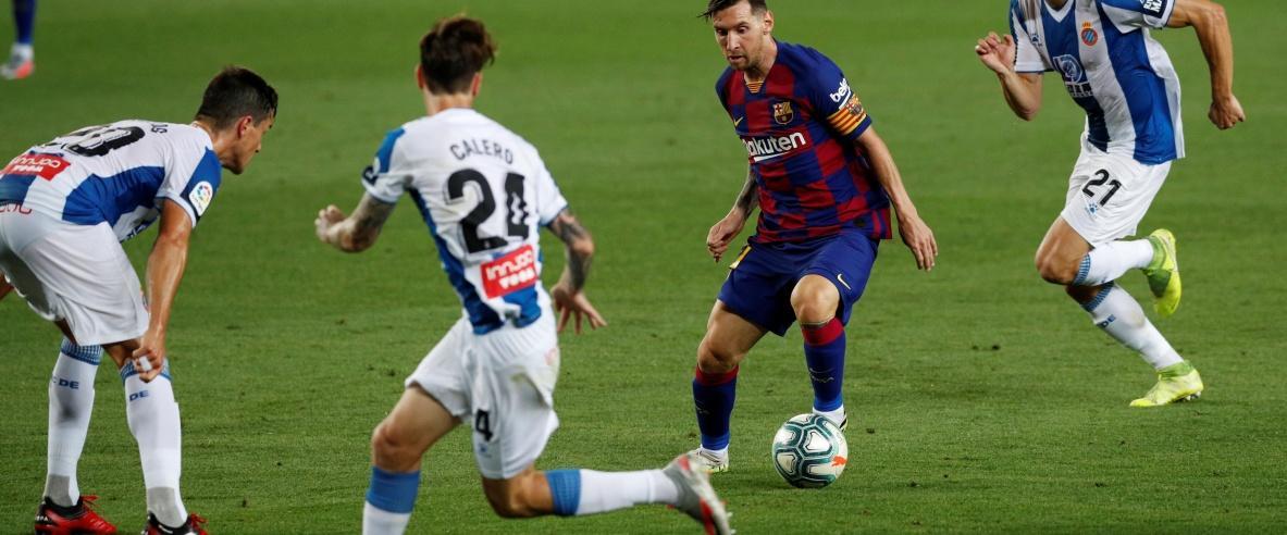 برشلونة يتمسّك بملاحقة الريال ويرسل إسبانيول إلى الدرجة الثانية