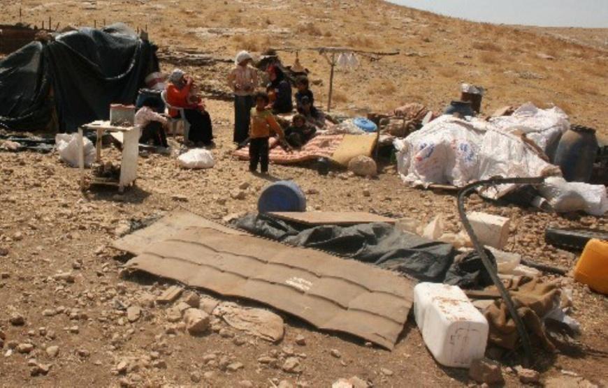 الاحتلال يشرع بعمليات هدم في الأغوار