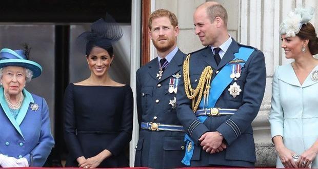 ما هو رأي الملكة إليزابيث بالخلافات بين الحفيدين ويليام وهاري؟