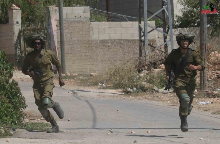الاحتلال يعتقل شابين أحدهما من ذوي الاحتياجات الخاصة شرق قلقيلية