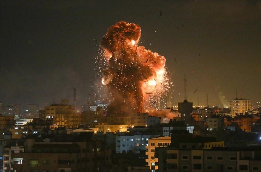 غارات إسرائيلية على عدة أهداف في غزة
