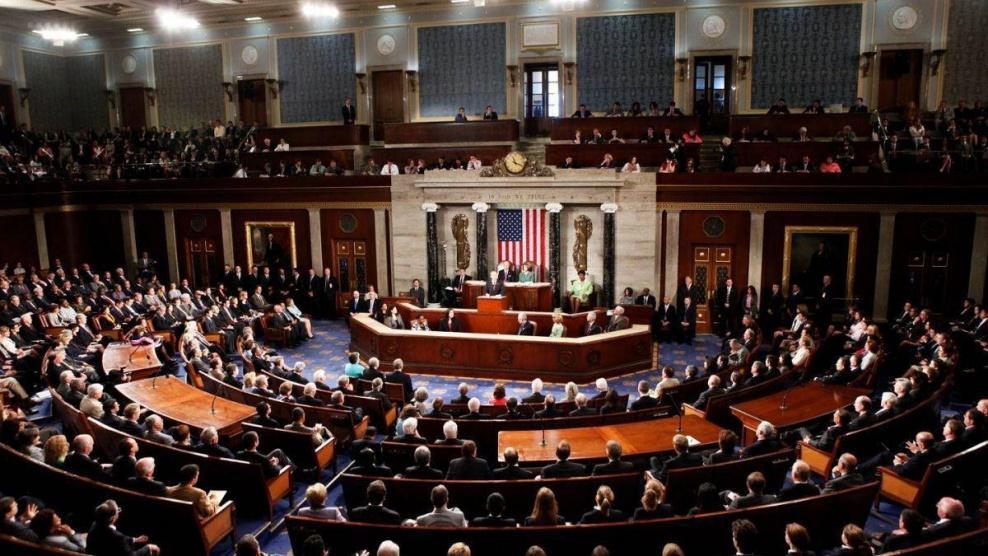 الكونغرس يقر مشروع قانون يمنع تمويل حرب ضد إيران