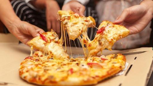 مطعم بيتزا يحقق مبيعات غير مسبوقة