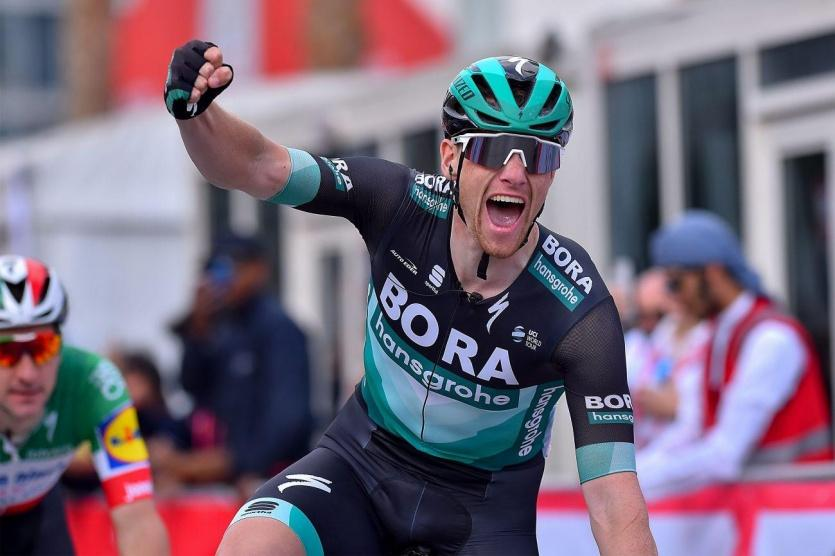 الدراج الهولندي ياكوبسن يواجه خطر الموت بعد حادث تصادم خلال سباق بولندا