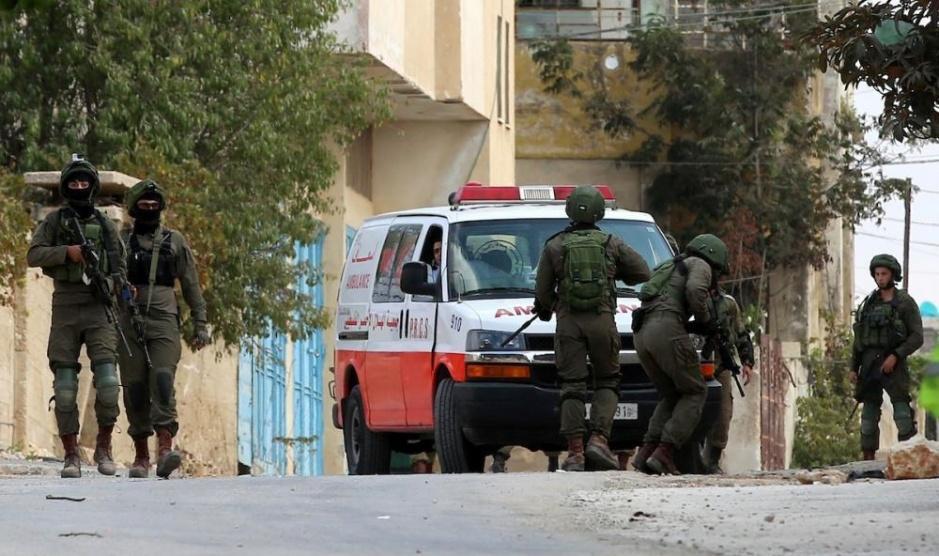 الاحتلال يُصيب فتاة بجراحٍ خطرة بمنزلها في جنين