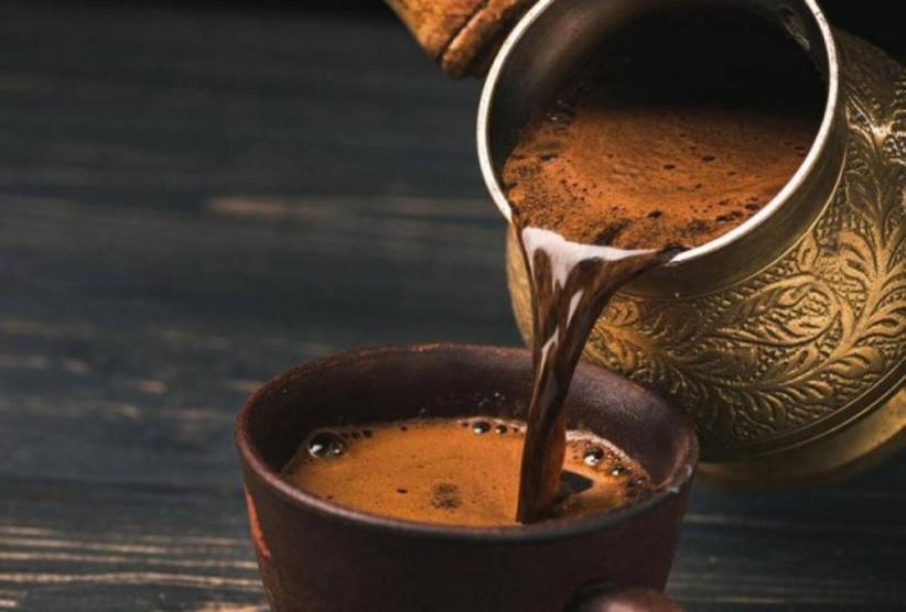 تجاوز هذا العدد من أكواب القهوة يوميا يؤدي للصداع وكثرة التبول